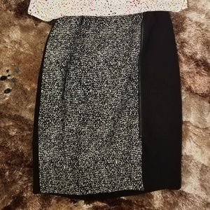 Half designed pencil skirt with side zipper